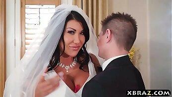Busty wedding hood aficionado gets PUT