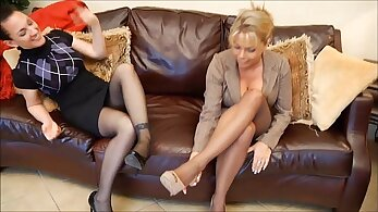 Bigtit mature chick loves to suck and fuckel all night