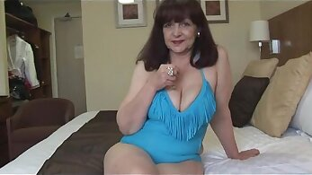 Busty Mature Fit Woman Playing Her Hole
