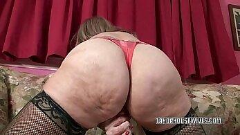 Blindfolded blonde mature sluts pussy pounded with toys