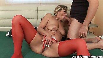blonde grandma dildo fucking pussy