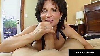 Busty Mature MILF Dildo Fucking Her Ass
